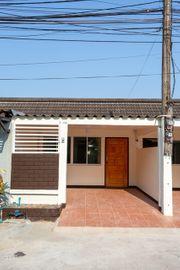 ขาย เช่า บ้านแฝด ชั้นเดียว พื้นที่ 20 ตารางวา จอดรถได้ 1 คัน ถนนมหิดล ซอย 1 (ALP-C-2003004)