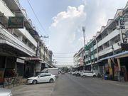 ขายอาคารพาณิชย์ 2 คูหา หมู่บ้านไทยสมบูรญ์2 คลองสาม คลองหลวง เนื้อที่ 35ตรว. 3.5 ชั้น