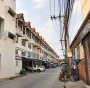 ขายอาคารพาณิชย์ 3.5 ชั้น หมู่บ้านทิพย์สุวรรณ บางบัวทอง( รหัสทรัพย์ 630002)
