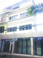( 6 ) BM32 ให้เช่าอาคารพาณิชย์ 4 ชั้น 3 คูหา ติดถนนเลียบทางด่วน เอกมัย-รามอินทรา ย่านประดิษฐ์มนูญธรรม ใกล้ๆทาวน์อินทาวน์