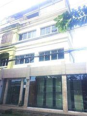 ( 7 )BM32 ให้เช่าอาคารพาณิชย์ 4 ชั้น 3คูหา ติดถนนเลียบทางด่วน เอกมัย รามอินทรา ย่านประดิษฐ์มนูญธรรม