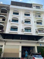 รหัสBM21 ขายอาคารพาณิชย์ 4 ชั้นครึ่ง 2 คูหา พื้นที่ 24 ตารางวา ซอยลาดพร้าว 128/4