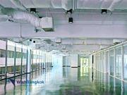 ออฟฟิศให้เช่า ย่าน สุขุมวิท ตกแต่งแล้งบางส่วน  มีกั้นห้องไว้แล้ว เป็นส่วนตัว  ขนาดพื้นที่ 384 ตรม  230,000 / เดือน