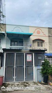 ขายทาวน์เฮ้าส์ 2 ชั้น 18 ตรว. หมู่บ้านปรีชา8 ซ.หัวหมาก31 ถ.รามคำแหง24 เหมาะสำหรับอยู่อาศัย