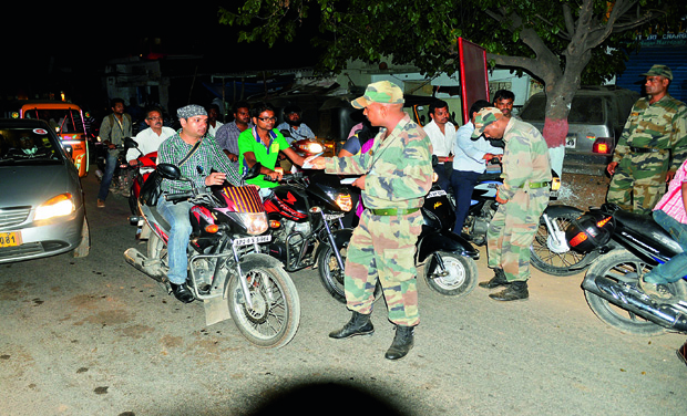 Army personnel carrying out checks on Tuesday. 	(Photo: DC)