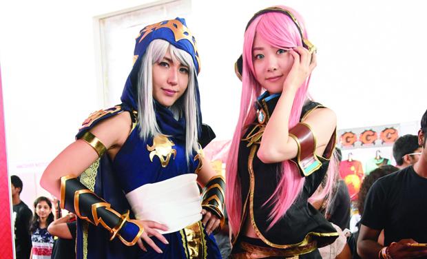 (Left) Miya Tomoko and Moe Tsurumi
