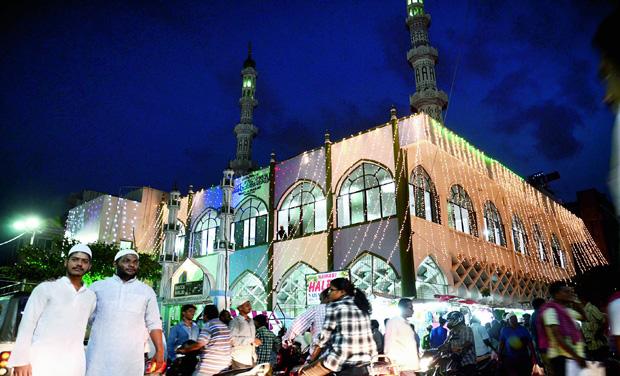 Beautiful Vizag Eid Al-Fitr Feast - 18KMK20_0  Gallery_721897 .jpg