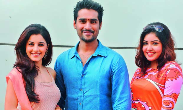 Left to Right: Isha Talwar, Pradeep and Komal Jha