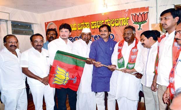 JD(S) leader Subhash Guttedar joined BJP in Gulbarga earlier this week (Photo: DC)