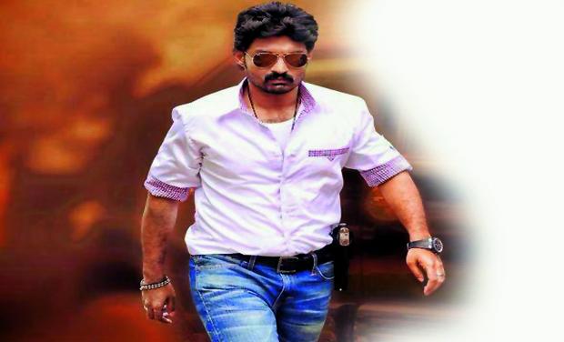 Kalyan Ram stills in Pataas movie