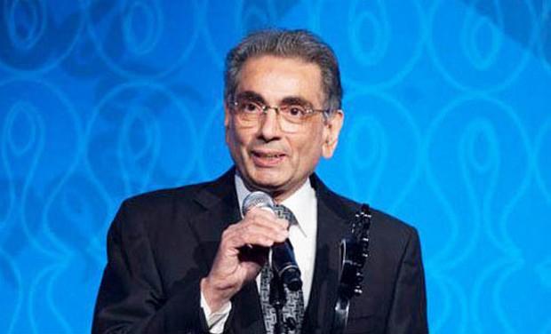 Narendra Patni after receiving the Light of India Award 2012