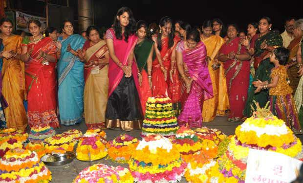 Botany professor G. Narender Babu has pointed out that flowers and leaves used for preparing idols of Bathukamma could prevent water-borne diseases as they possess various medicinal properties.
