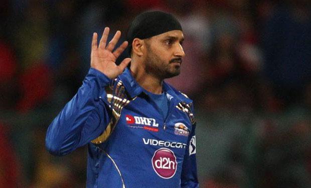 IPL 8, RCB vs MI: Mumbai overcome royal challenge, Bhajji stands out