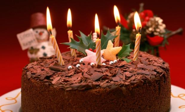 Birthday cake (Photo courtesy: happyholidays2014.com)