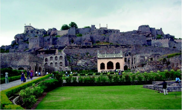 Special heritage tour will include the sound and light show at the Golconda fort, Shilparamam and the Taramati Baradari complex (Photo: DC)