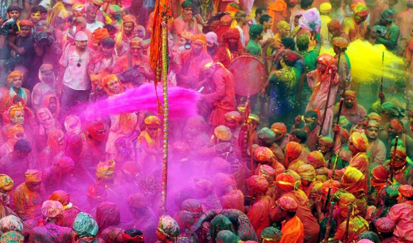 disadvantages of festivals Pollution – the number one, disadvantage of a festival is the pollution pollution comes in many forms and all its types are the outcome of festivals.