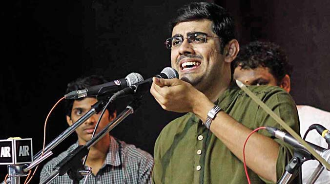 Vocalist Sikkil Gurucharan performing in Bharat Kalachar on Wednesday. (Photo: DC)