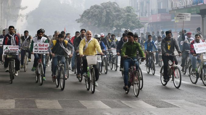 A file photo of Deputy Chief Minister of Delhi Manish Sisodia cycling (Photo: PTI)