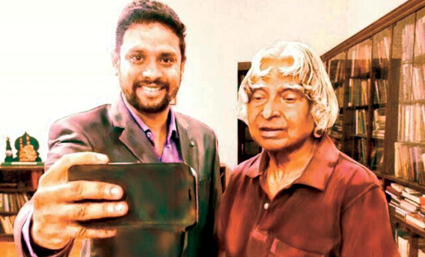 Abdul Ghani Takes The First Selfie With Former President Kalam Photo DC