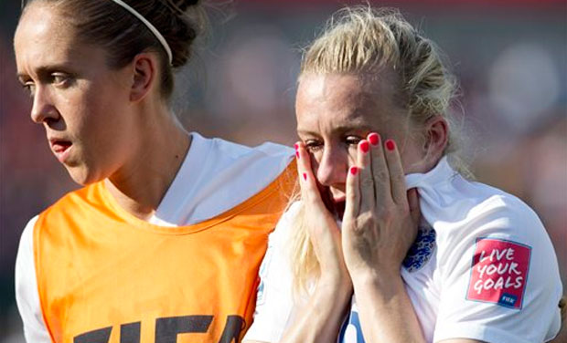 An injury time own goal from England defender Laura Bassett (right) put Japan into the World Cup final with a 2-1 victory on Wednesday, setting up a title rematch with the United States. (Photo: AP)