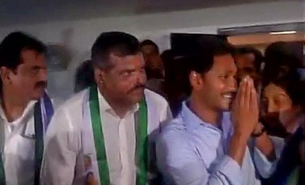 Former Andhra Pradesh Congress President Botsa Satyanarayana joins YSRCP. (Photo: ANI Twitter)