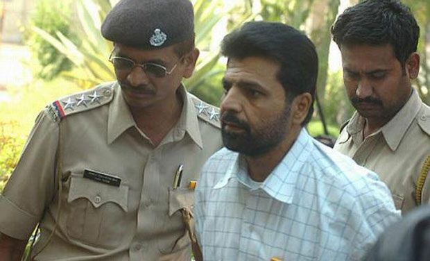 The Supreme Court on Wednesday rejected curative petition of Yakub Memon, convict in the 1993 Mumbai blasts case. He is scheduled to be hanged to death in Nagpur Jail tomorrow at 7 am. His new mercy plea is being reviewed by the Home Ministry.