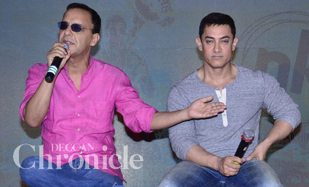 Aamir wants to see Salman bare all for PK on Bigg Boss