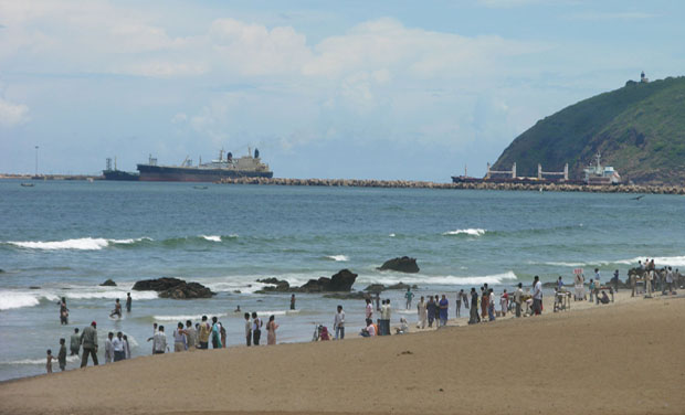 Ramakrishna Beach, Visakhapatnam (Photo: www.indiantravels.com)
