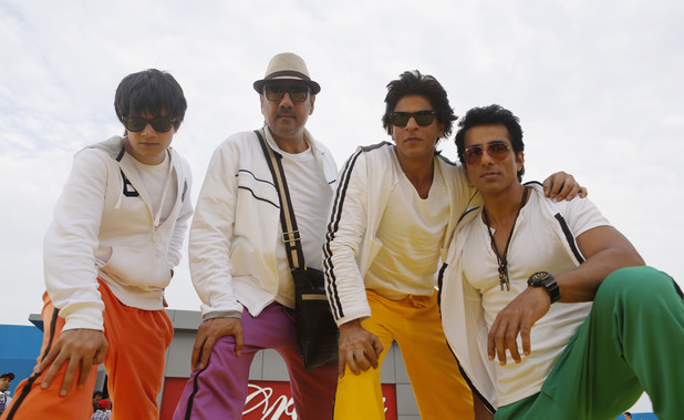 Vivaan Shah (L) with the cast of 'Happy New Year'.