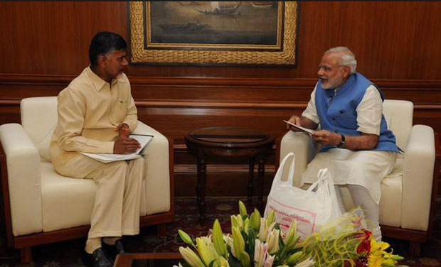 Andhra Pradesh Chief Minister Chandrababu Naidu with Prime Minister Narendra Modi (Photo: Twitter)