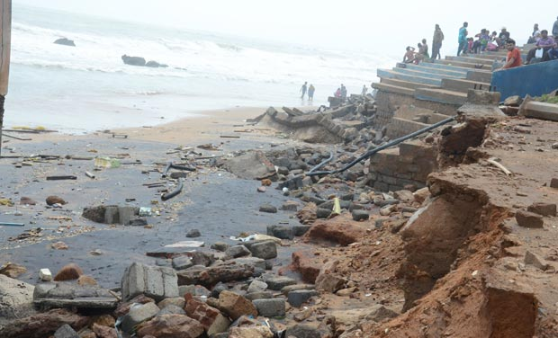 Around 16 deaths in various rain-related incidents are reported from Vizag, the worst-hit. (Photo: DC)