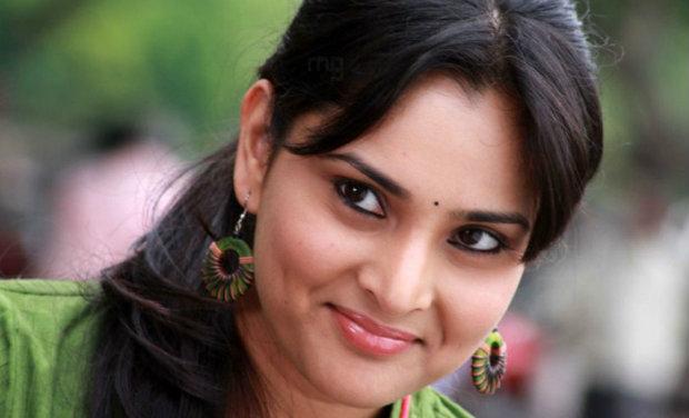 Chennai tamil girl ramya suking my cok in public train 8