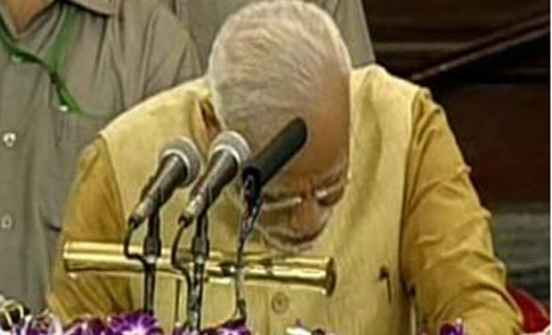 India's next Prime Minister Narendra Modi cries while addressing MPs. (Photo: Twitter)