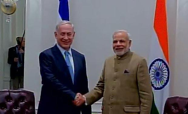 Narendra Modi meets Israeli Prime Minister Benjamin Netanyahu. (Photo: Twitter)