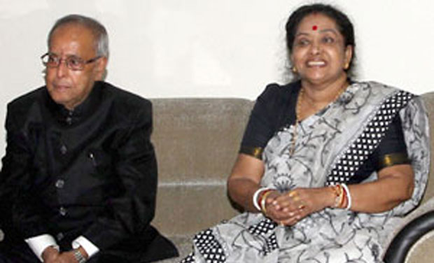 President Pranab Mukherjeere with wife Suvra Mukherjee (Photo: PTI/File)