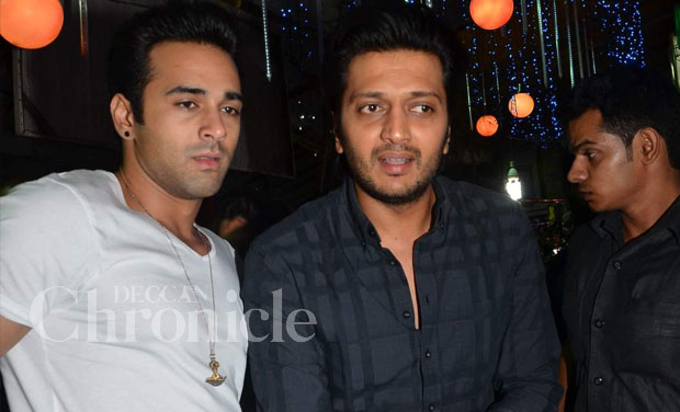'Bangistan' actors Riteish Deshmukh and Pulkit Samrat have been bonding off sets and have become the new 'bros' of Bollywood. Photo: Viral Bhaynai