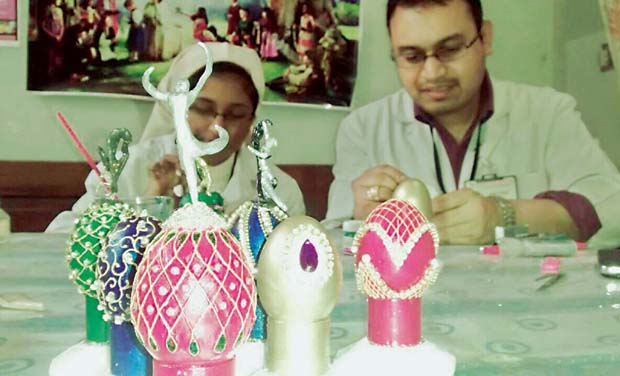 Doctors make Easter eggs to raise funds for the needy