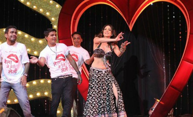 Hot Sunny Leone roped in by Dhaya?