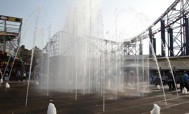 The Spectacular Dancing Water Fountain at Blackpool Pleasure Beach in northern England. (Photo: website)