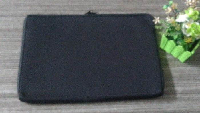 Softcase Laptop Polos Hitam 14in