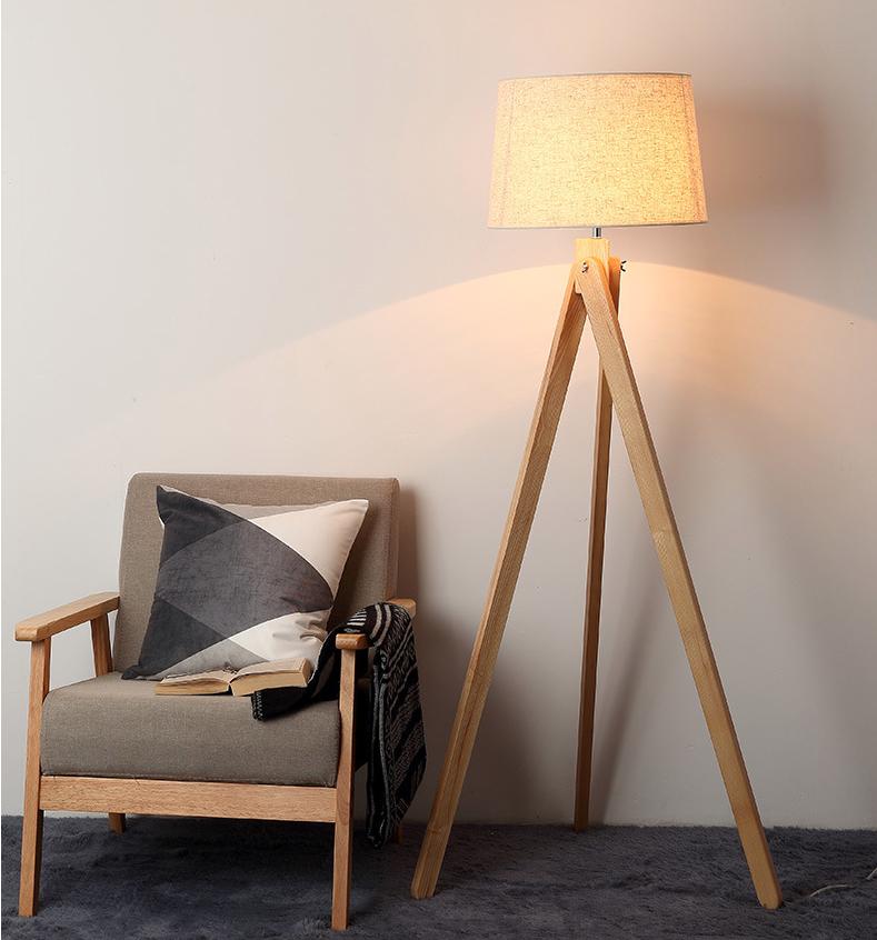 LF003 Tripod floor lamp.jpg