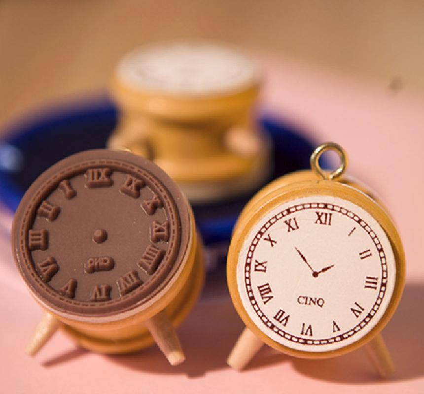 Vintage Clock Stamp-02.jpg