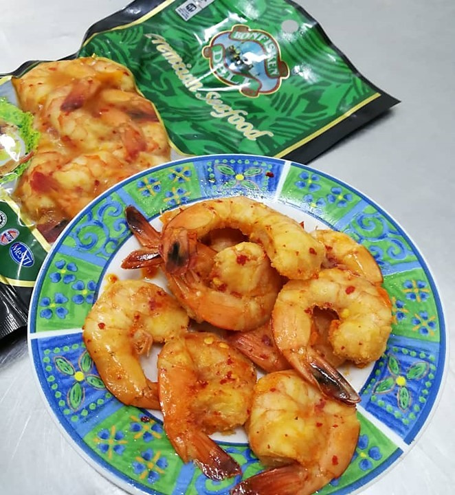 smoked prawn with chili flakes.jpg