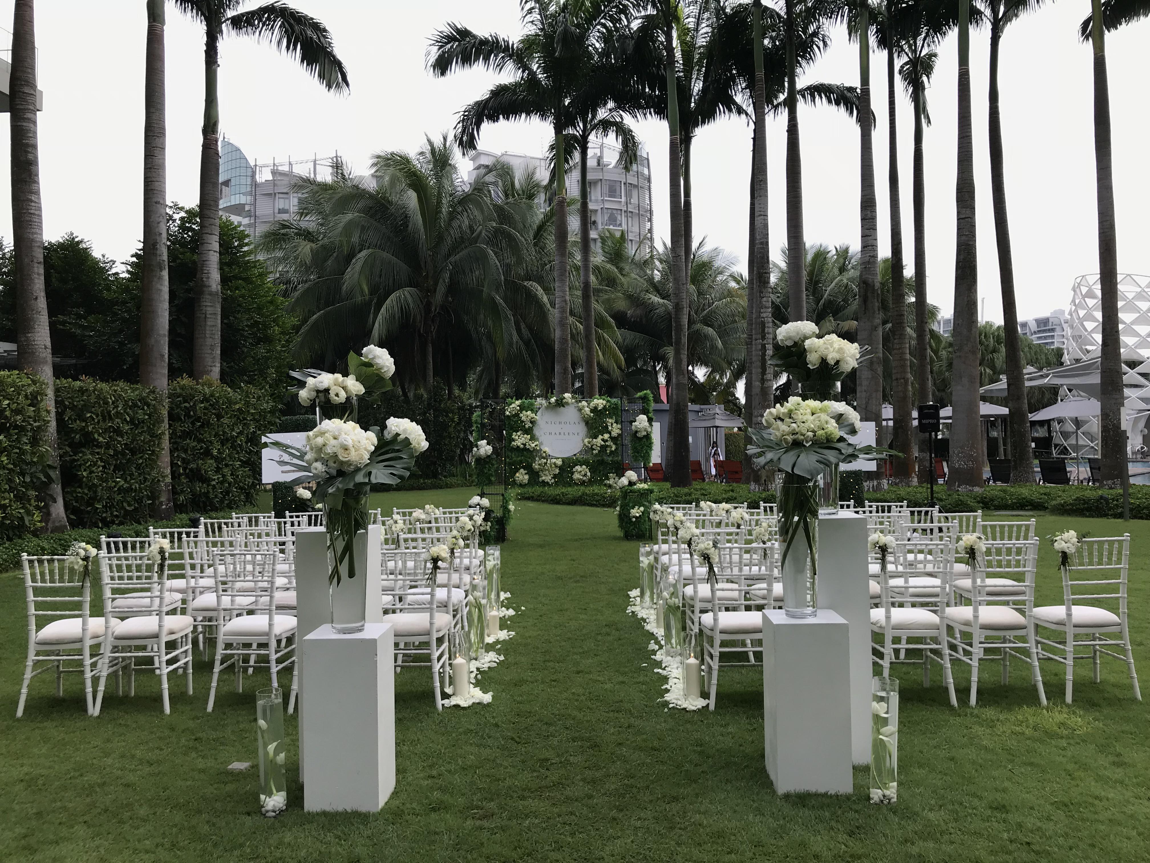 Floratorie - Singapore Online Florist | Flower Delivery | Flower Arrangment Workshop | Featured Collections - Wedding