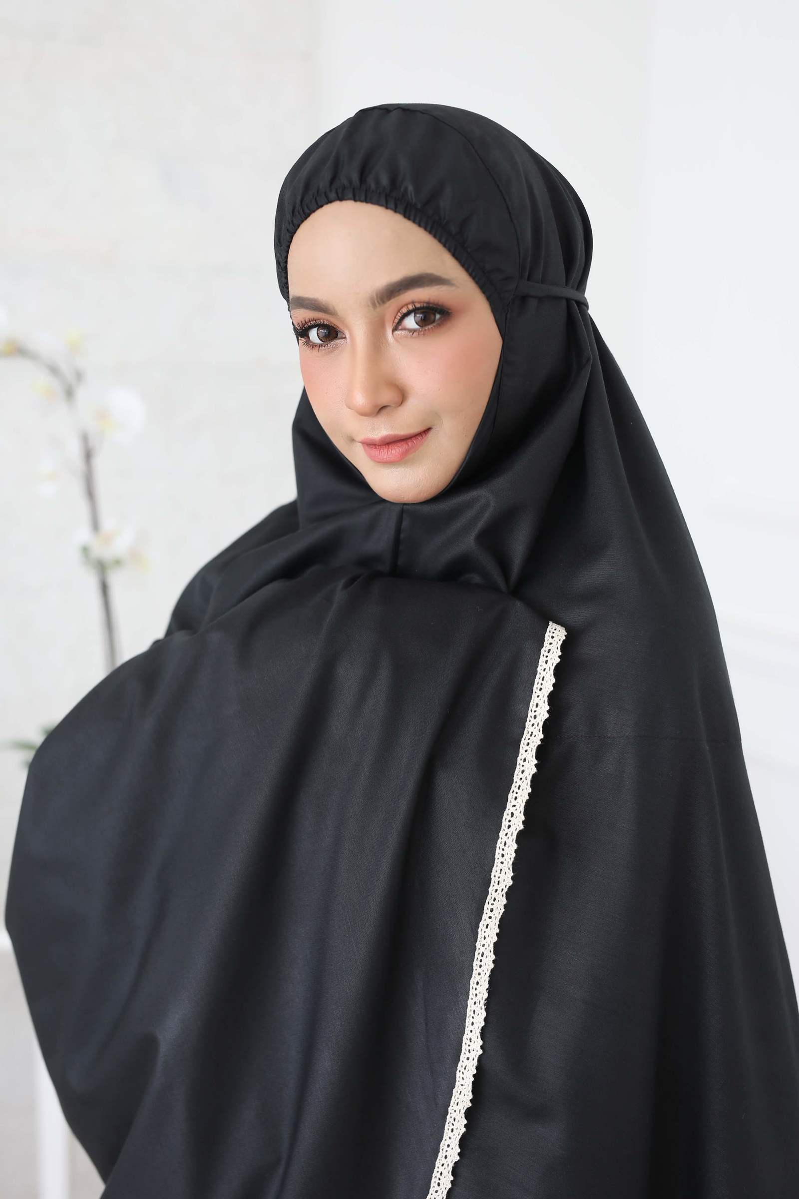 19_TCO Wardah - Black.JPG