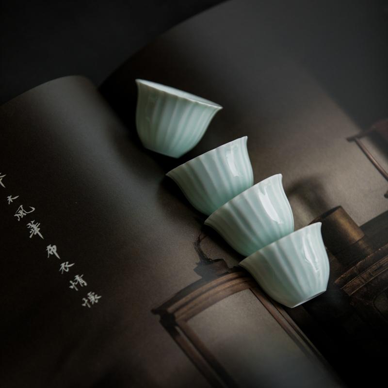影青花棱品茗杯1-1.jpg