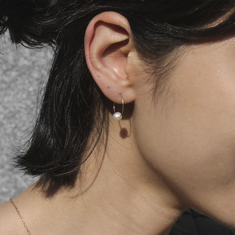 14kgf_pearl_hoop_earrings_5.jpg