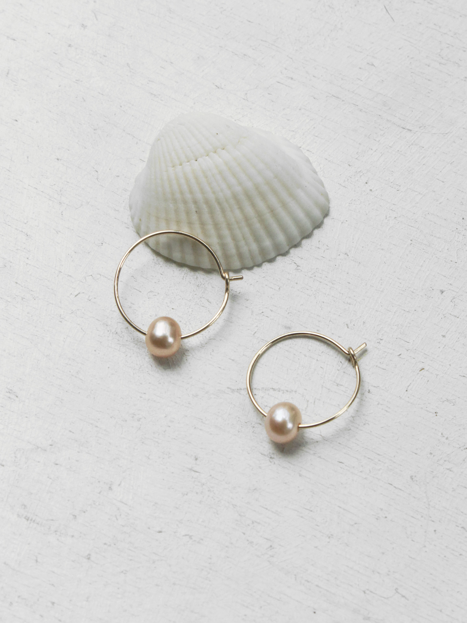 14kgf_pink_pearl_hook_earrings.jpg