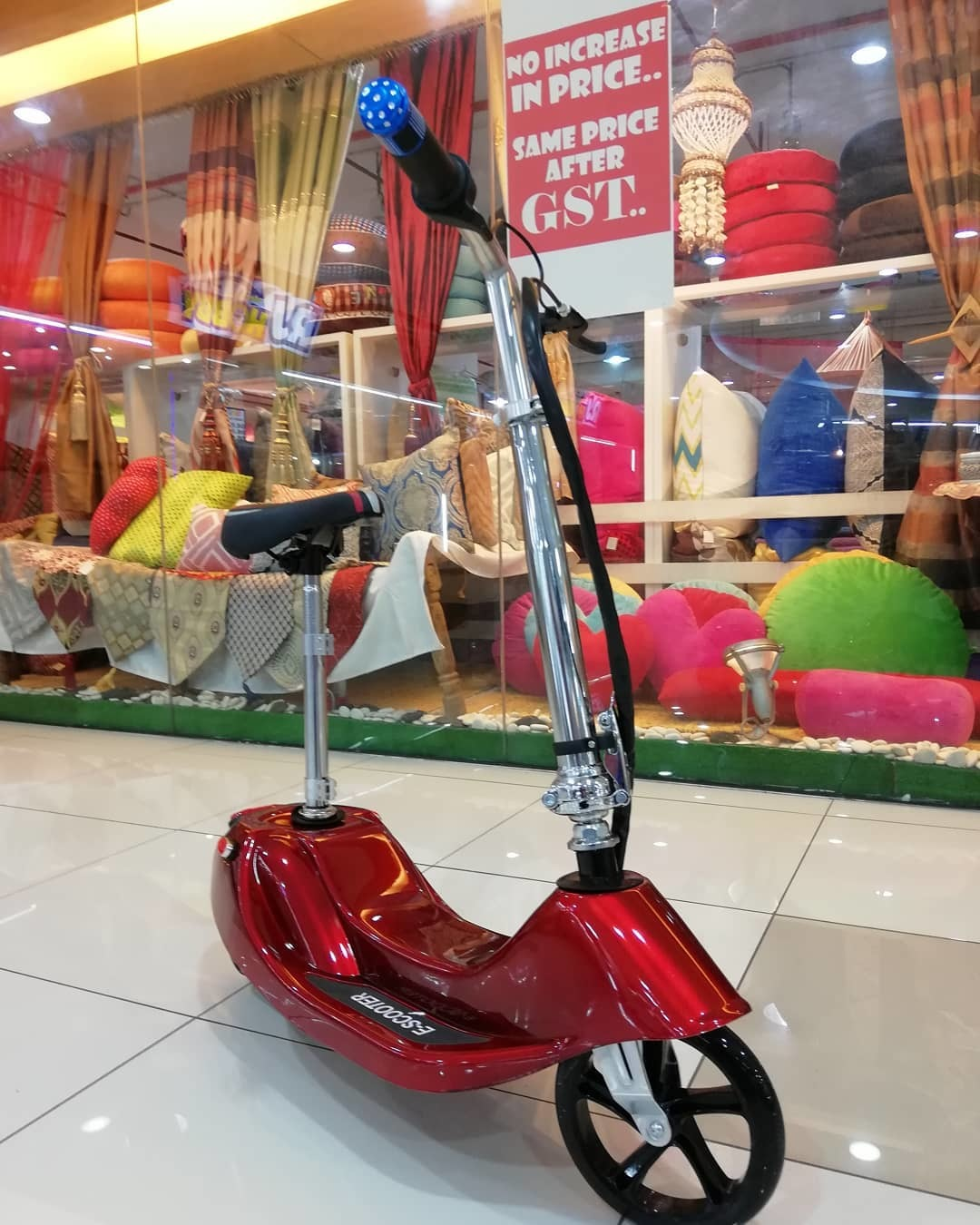 ELECTRONIC SCOOTER RED.jpg