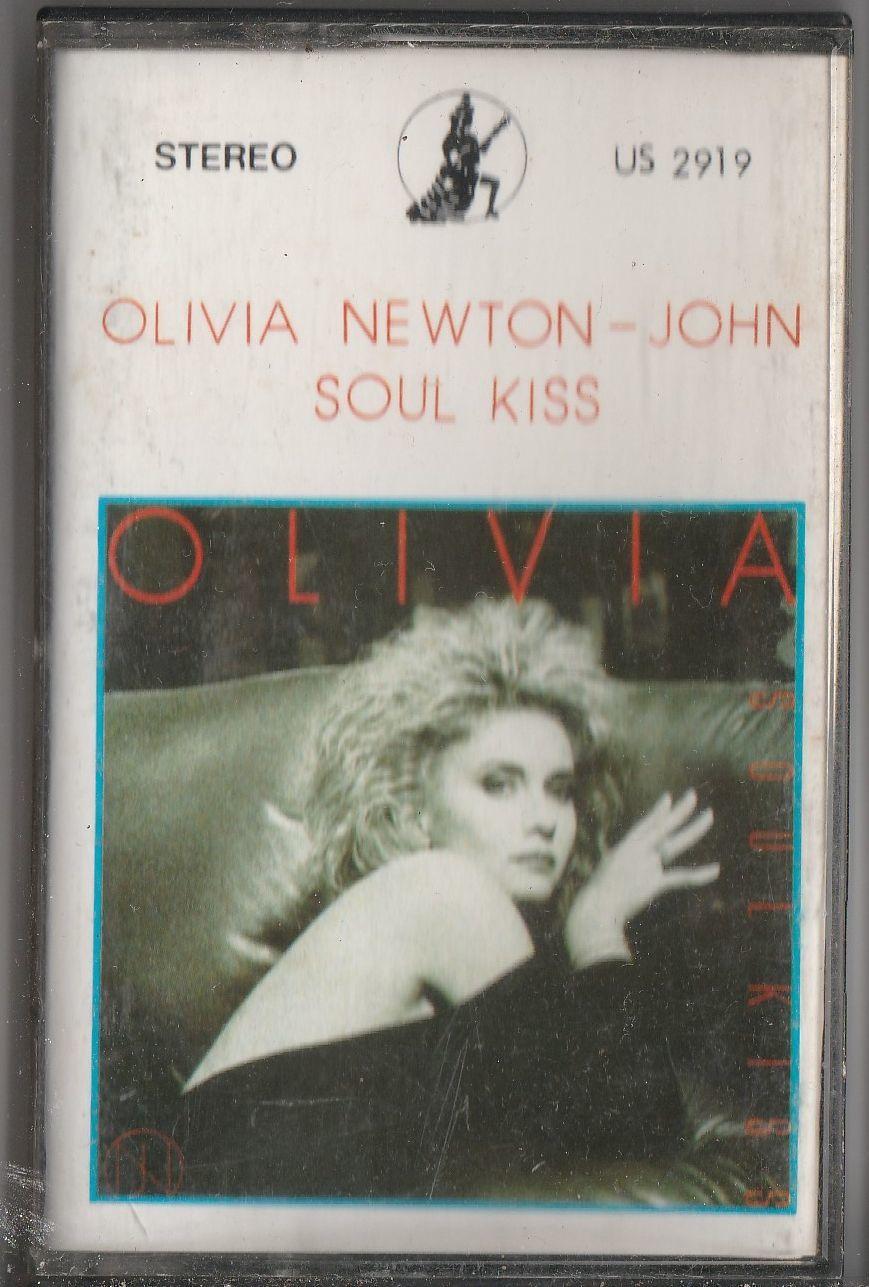 OLIVIA NEWTON JOHN Soul Kiss CASSETTE.jpg